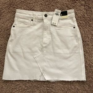 NWT Abercrombie & Fitch White Denim Skirt 0